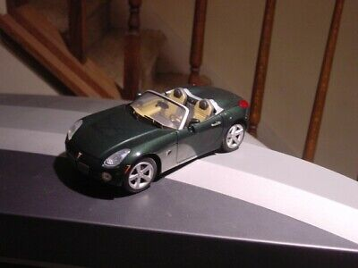 2006 pontiac solstice 1/18 scale model car