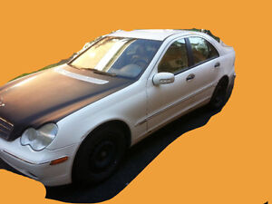 CLEAN Mercedes-Benz - 2003 - BUY YOUR COLLECTIBLE CAR! NEGO