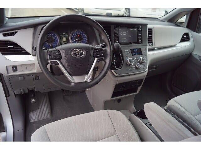 Image 9 Voiture Asiatique d'occasion Toyota Sienna 2020