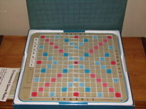 Vintage 1977 Deluxe Edition Scrabble Turntable Rotating Game