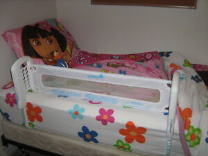 Safety rail for bed