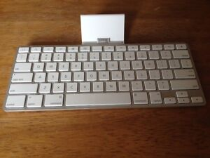 Apple - Ipad Keyboard Dock