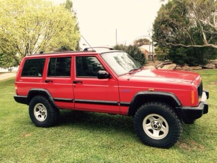 Jeep Cherokee 1997 exc cond Lpg 4wd  Adelaide CBD Adelaide City Preview
