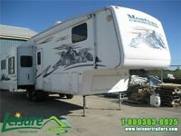 2005 KEYSTONE MONTANA 3475RL  5th. Wheel