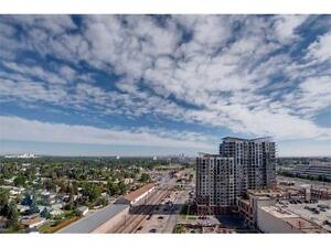 20th Floor MODERN Condo with mountain view