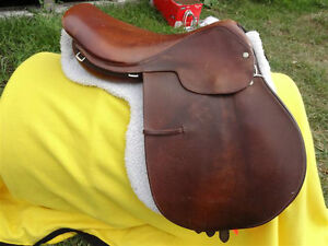 "17"" Crosby English Saddle Penticton Kelowna image 2"