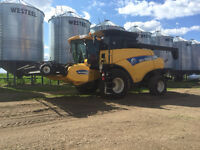 NEW HOLLAND 9060 COMBINE