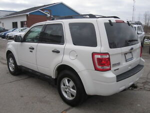 IMMACULATE !!! 2012 FORD ESCAPE London Ontario image 5