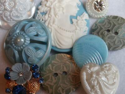 BEAUTIFUL BLUE VINTAGE & NEW BUTTONS Cameo Rhinestone Peal Flower Glass Pierced