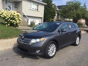 2009 TOYOTA VENZA** CUIR-TOIT-MAGS- propre- 4 CYLINDRES- 4X4