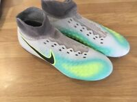 Nike moulds size 3.5