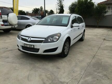 2009 Holden Astra AH MY09 CD White 4 Speed Automatic Wagon