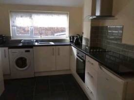 *NEWLY REFURBISHED & FULLY FURNISHED 2 BED FLAT*