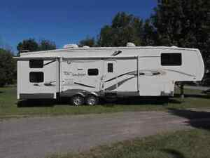 31.5ft sandpiper 5th wheel trailer Belleville Belleville Area image 1