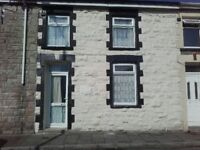 Short term self catering let, Sleeps 6, Ideal for Visitors/Contractors, Mid Terrace Miners Cottage