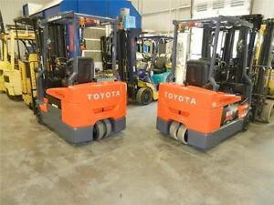 chariot élévateurs 2011 Toyota 4000 lbs 3 roues forklifts