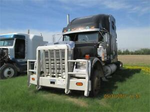 2004 FREIGHTLINER FLD120 CLASSIC- PARTING OUT