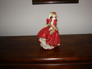 """Royal Doulton -Top O"""" the Hill-copr 1937"""