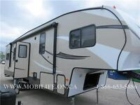 **CLEARANCE! **HUGE KITCHEN! **GORGEOUS FIFTH WHEEL FOR SALE!