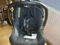 new child first car seat and carry never used £10