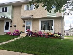 2 and 3  bedroom town house for rent $850.00 in Cold Lake