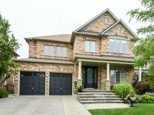 ♥♥ WOW !! -Fantastic House w/LEGAL Bsmt Suite - INCOME PROPERTY♥