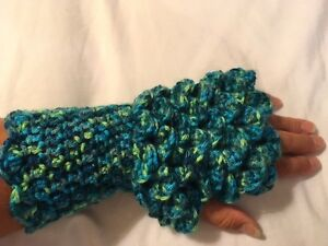 Dragon Fingerless Gloves Oakville / Halton Region Toronto (GTA) image 1
