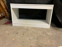 WHITE CABINET/TV STAND IN GOOD CONDITION COLLECTION ONLY