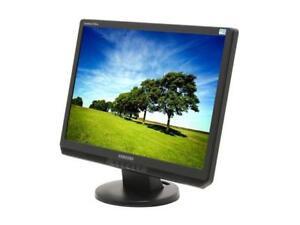 """2 Samsung 22"""" monitors SyncMaster2220wm, 1 viewsonic 20"""" monitor"""