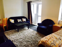 Massive studio near Bethnal Green with separate kitchen and garden, DSS accepted