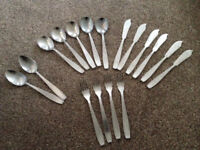 Art Deco Cutlery (4 Soup Spoons, 4 Fish Forks, 4 Fish Kn!ves, 2 Dessert Spoons, 3 Spares) 17 items