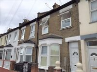 DSS WELCOME WITH A GUARANTOR - STUDIO AVAILABLE IN TOTTENHAM, N17 - INCLUSIVE OF ALL BILLS