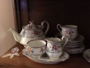 ROYAL ALBERT PETIT POINT series