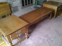 Furniture coffee and end table set