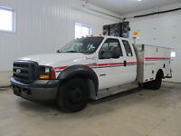 2006 Ford F-350 diesel SERVICE TRUCK low kms