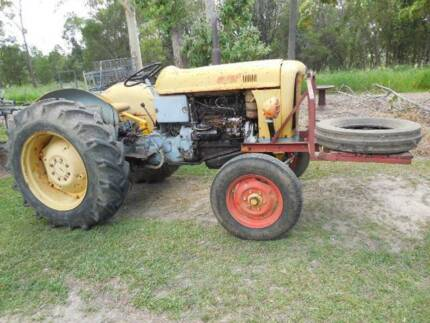 Tractor  FIAT 411R Wamuran Caboolture Area Preview