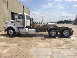 2007 Peterbilt 378 Day Cab Tractor