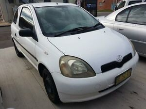 2000 Toyota Echo NCP10R White 5 Speed Manual Hatchback Georgetown Newcastle Area Preview