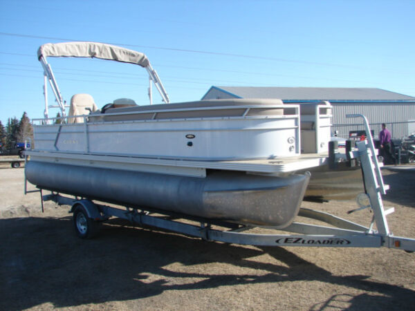 Used 2014 Other CREST PONTOON BOAT