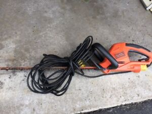 Mint Black and Decker 22-inch Hedge Trimmer