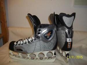 Men's/Senior Skates Size 8 (CCM Vector 11.0ZG) with T-Blades