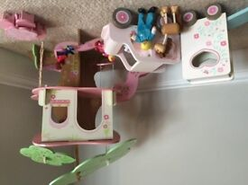 Early Learning Centre Wooden Rosebud Village Treehouse, Horsebox & 4x4 Vehicle - £35.00
