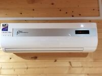 Midea 12000 BTU Air Conditioning Unit