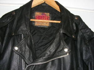 MEN'S CLASSIC BLACK LEATHER MOTORCYCLE JACKET  Sz. 42.