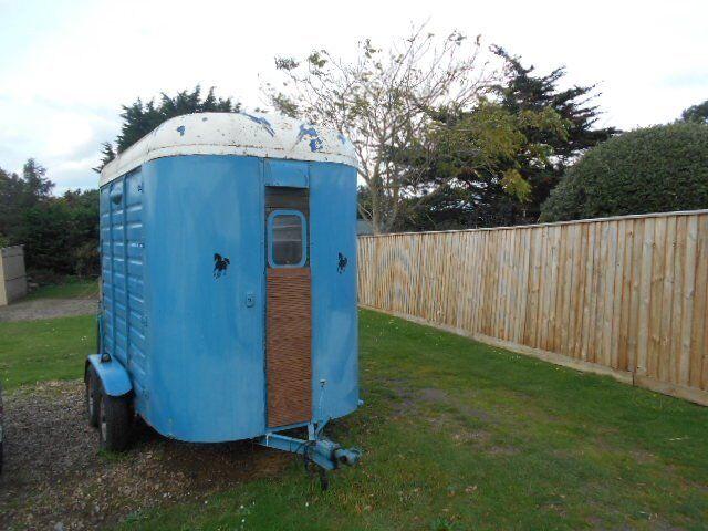 horse trailer/box