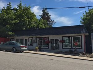 Great Commercial Building with 3 phase power in Creston BC !