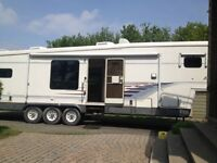 "Fifth Wheel ""Kountry Star"" avec extension - Caravan a sellette"