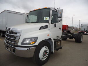 2017 HINO 338 CAB AND CHASSIS - TH21614