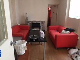 6 bedrooms in 22 King Edward Road