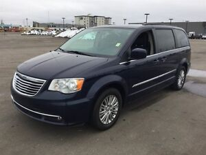 2016 Chrysler Town & Country TOURING-L Finance $175 bw